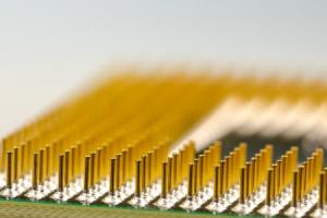 RFID-Chips bieten vielen Unternehmen heute ganz neue Möglichkeiten. Ob im Einzelhandel oder der Logistik - die Vorteile liegen auf der Hand.